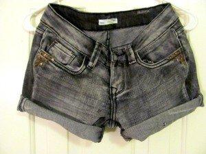 Denim shorts, shala (Flickr)